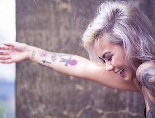 Защо избледняват татуировките?